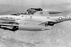 F-89 Scorpion: 1er chasseur bombardier nucleaire