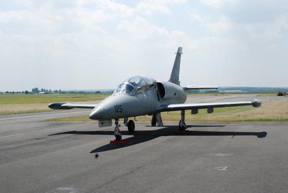 avion de chasse L39 Albatros pontoise