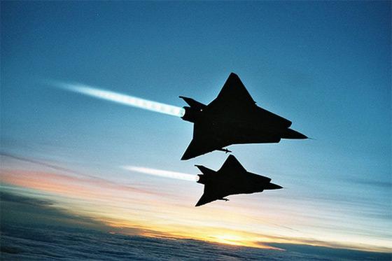 avion de chasse suedois saab 35 draken