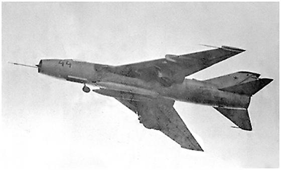 avion de chasse sukhoi su-7