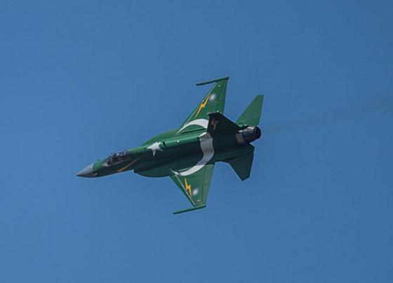 avion-de-chasse-jf17